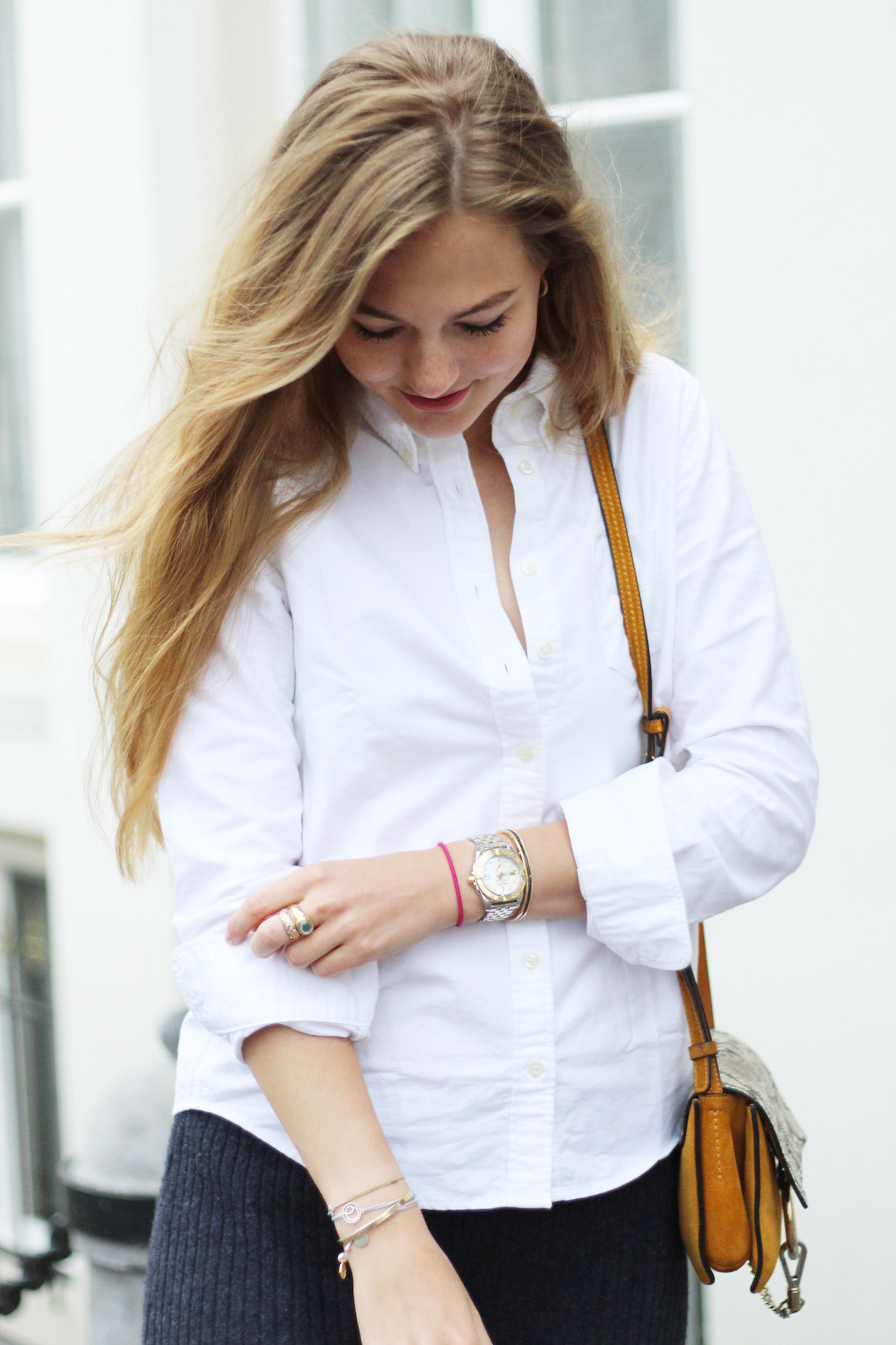 floortjeloves, a classic white shirt, gant, chloe, chloe faye, chloe girls, autumn cashmere, flared trousers, flare, white shirt, classic, oxford shirt, zara, snake boots