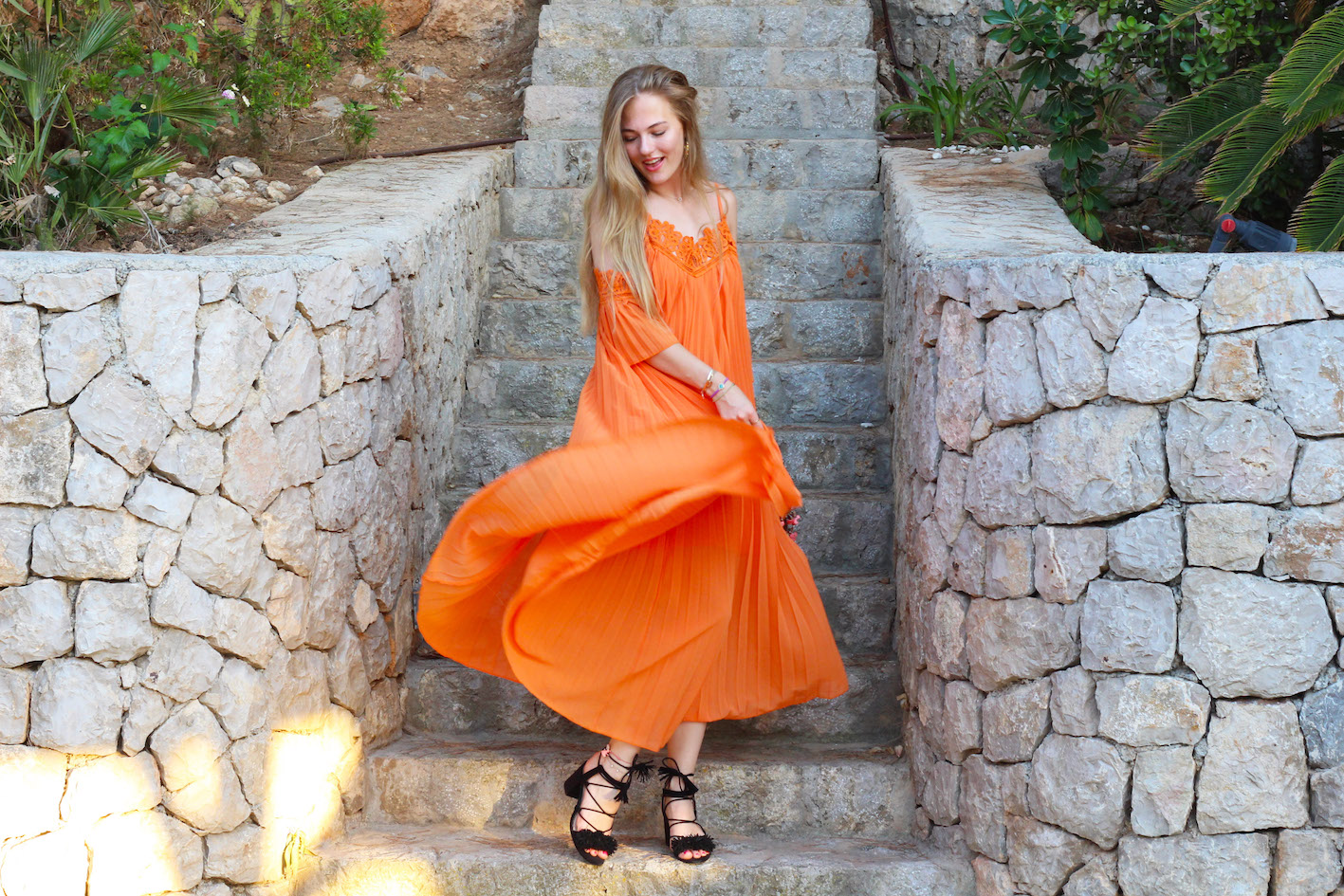 floortjeloves-why-every-woman-need-a-maxi-dress-3