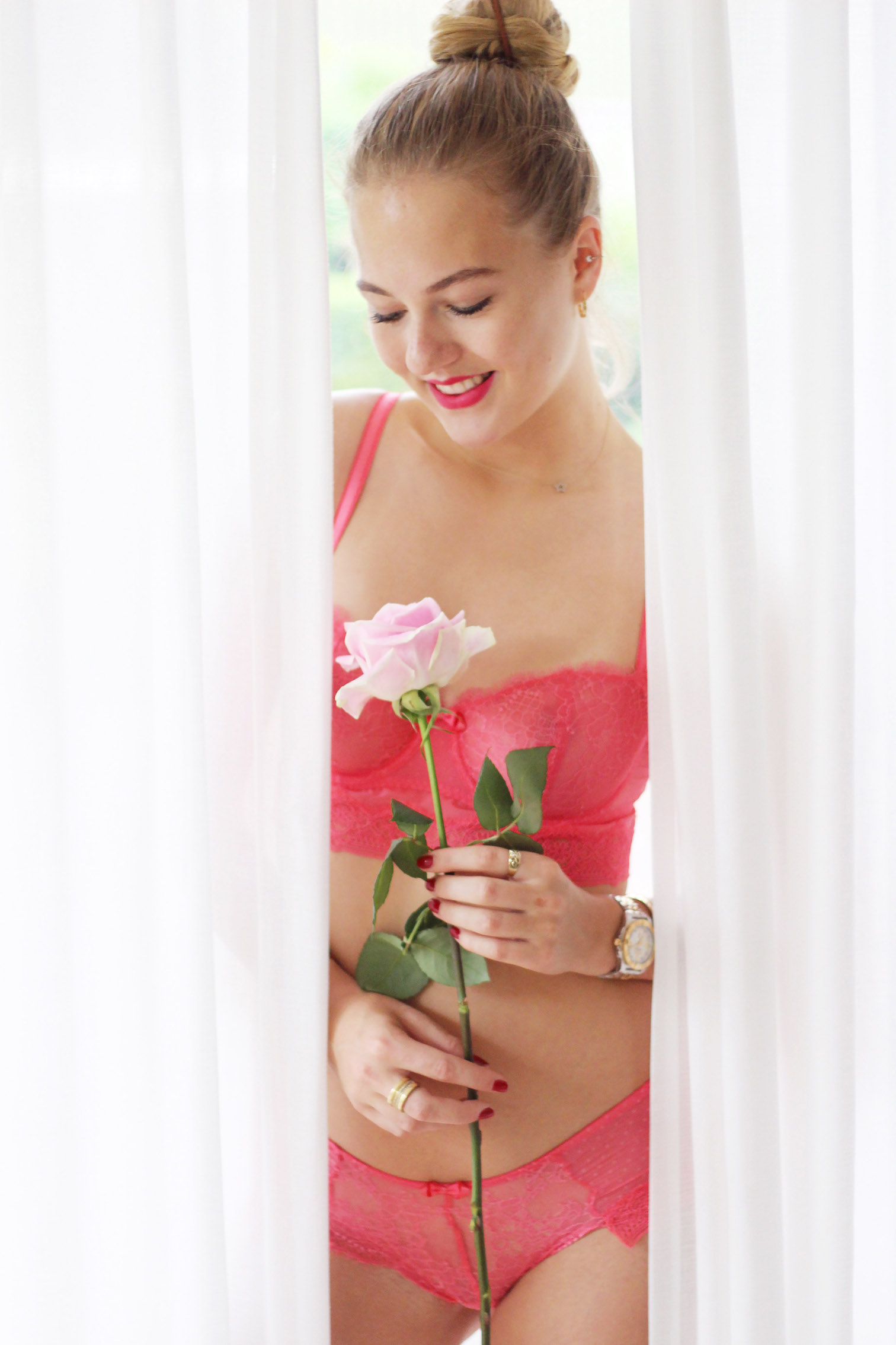 floortjeloves, red passion, passionata, lingerie, underwear, lace, romantic