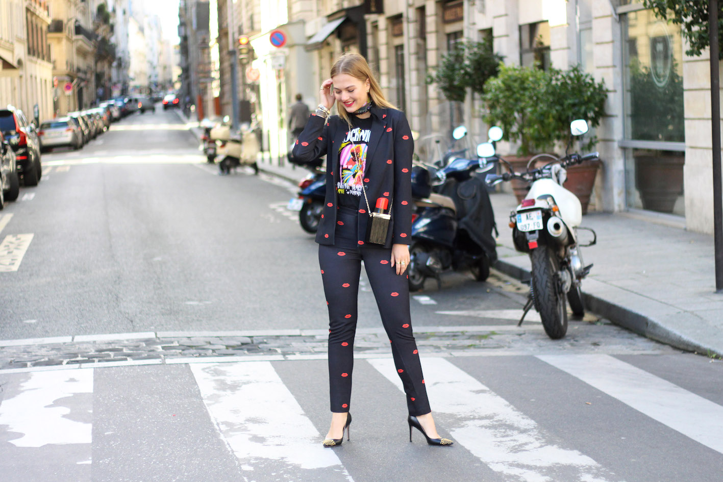 floortjeloves, peet dullaert, gucci, choies, lips, lipstick bag, suit, miss guided, arttique london, silk scarf, daylliance, red lips, paris, pfw, paris fashion week, paris fashion week, fashion week, fashionweek