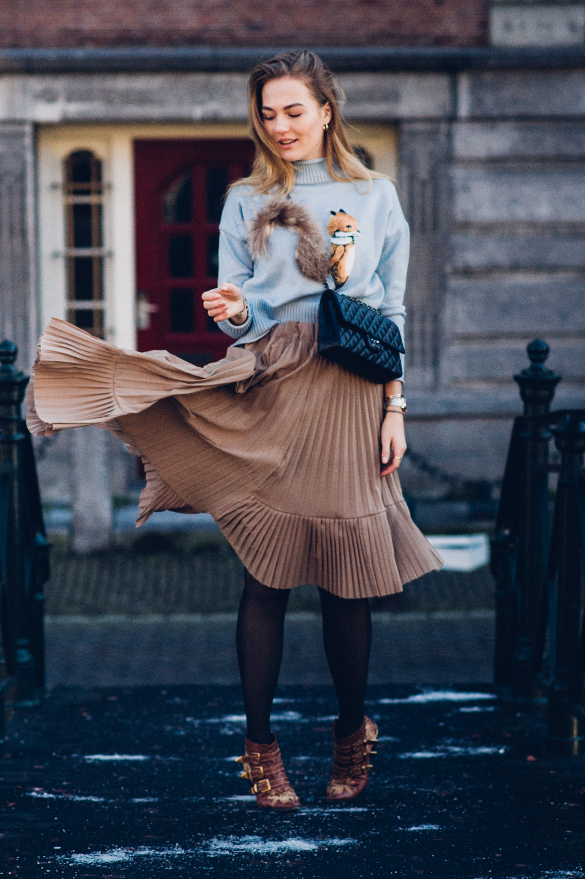 ways to improve your style, ways to improve your style in 2017, improve your style, choies, chloe, chloe suzanna, chanel, chanel classic, pleated skirt, floortjeloves