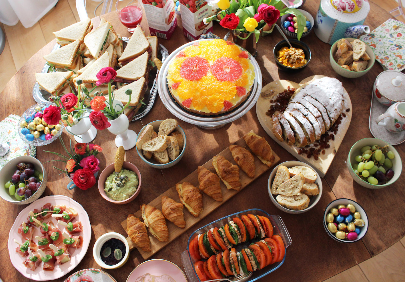 HOW TO ORGANIZE THE PERFECT EASTER BRUNCH