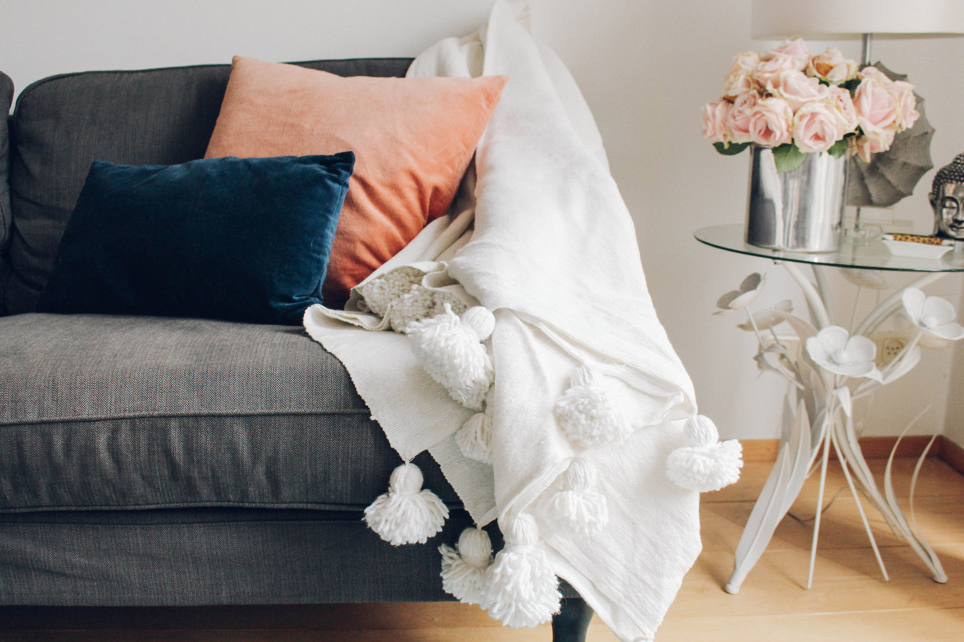 Floortjeloves, cozy weekend at home, cozy, home, interior, riadlifesyle, pom pom blanket, interior design, American vintage, 10days, y.a.s, Zara home, ikea