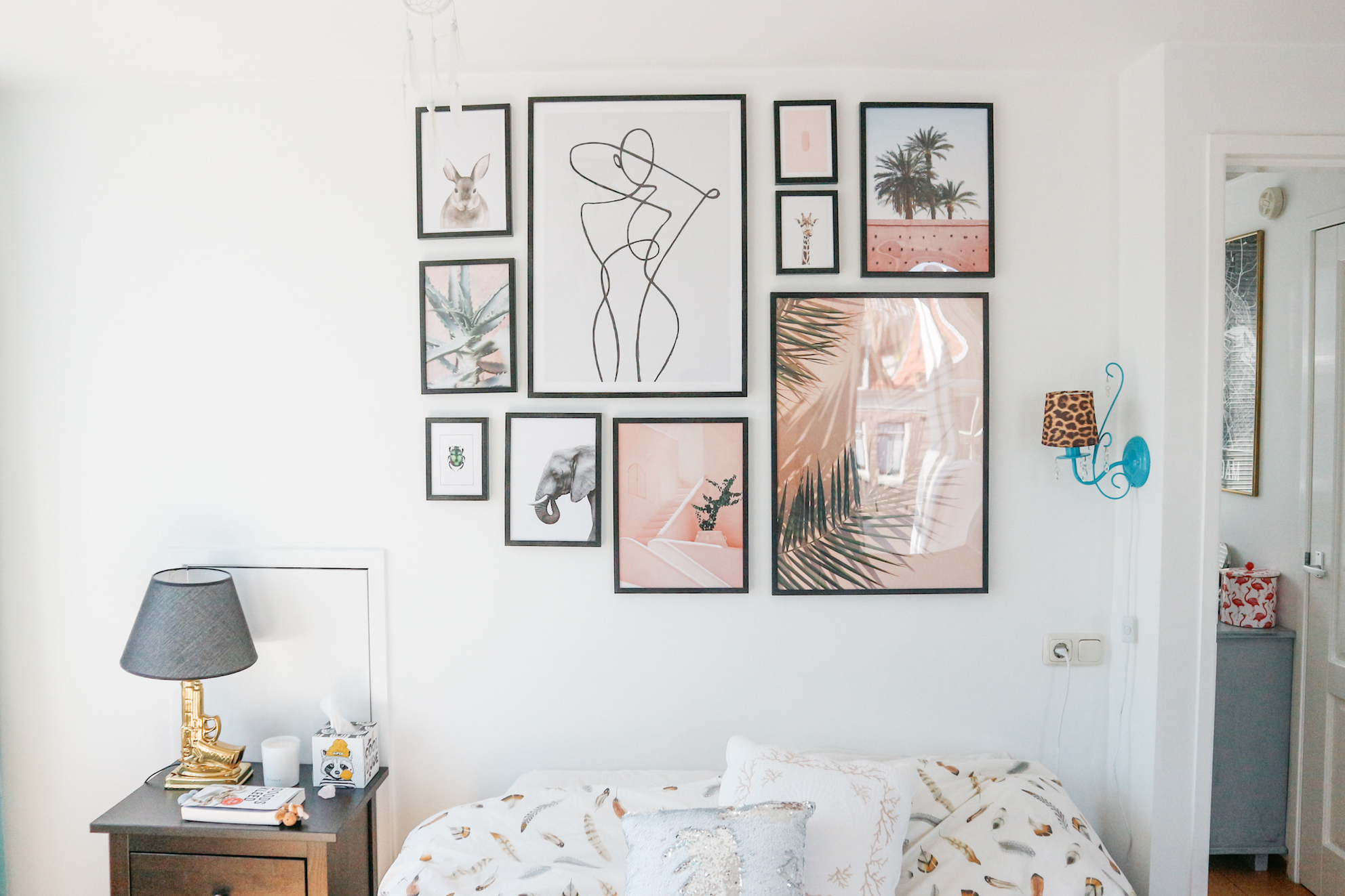 HOW TO MAKE A PERFECT PHOTO WALL