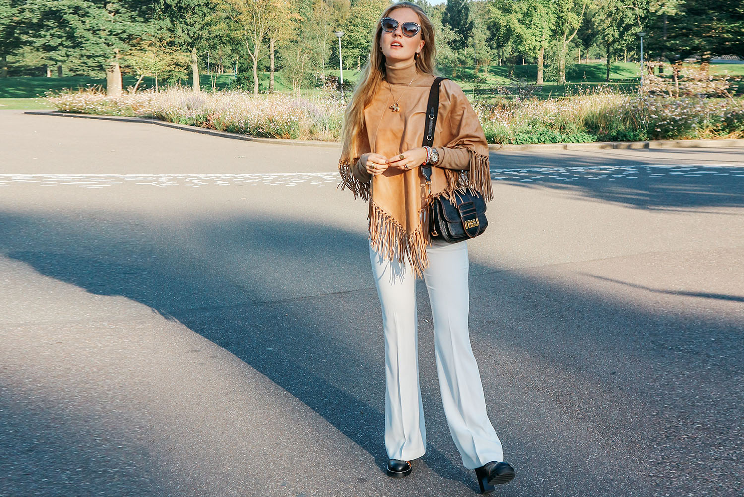 FALL APPROVED OUTFIT IN A LEATHER PONCHO